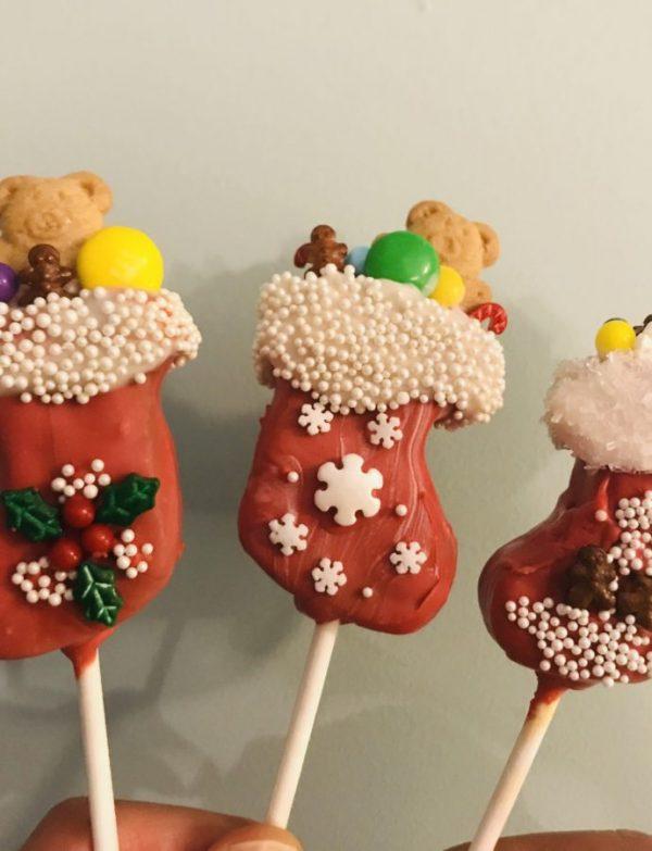 Stuffed Stocking Cake Pops!